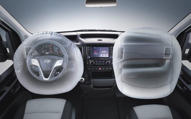 Túi khí phía trước cho lái xe và hành khách
