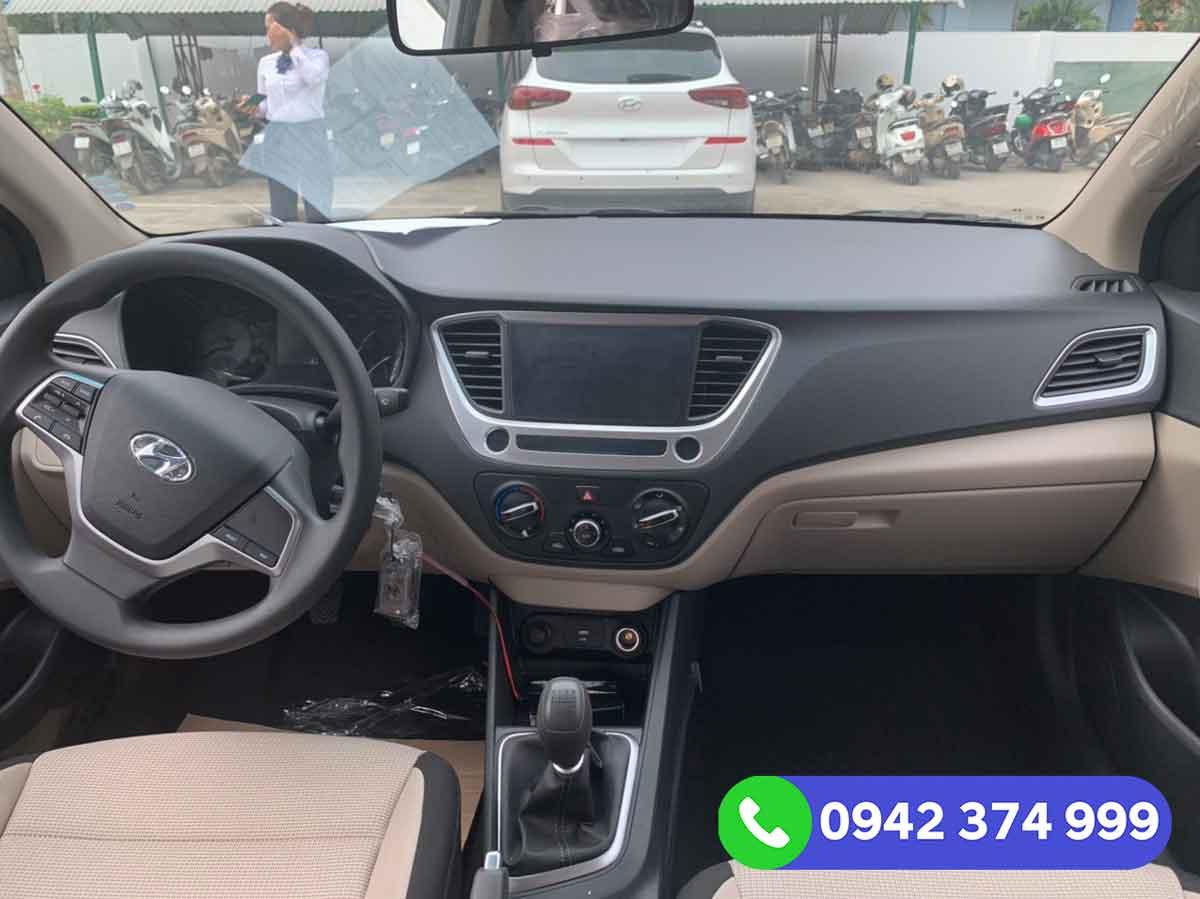 Nội thất Hyundai Accent 1.4 MT Base